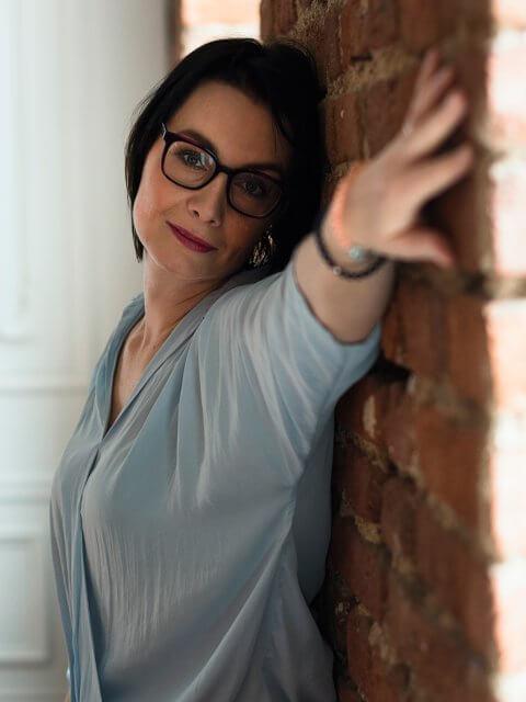 Portrét v brýlích